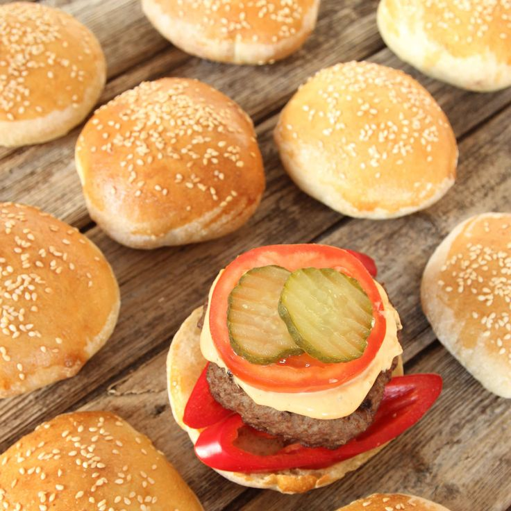 Hembakta, förstklassiga hamburgerbröd som gör burgarna ännu godare!