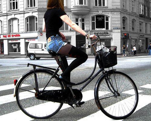Copenhagen Fashionista on Wheels by Mikael Colville-Andersen, via Flickr
