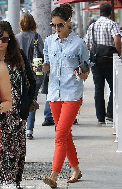 Don't Be Afraid Of The Dark star Katie Holmes lights up the street ...
