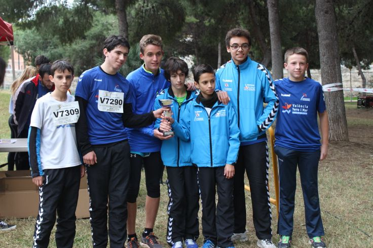 Equipo cadete participante en los juegos municipales cross de Valencia