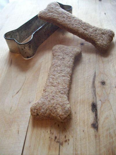 DIY: Peanut Butter Dog Biscuit Recipe