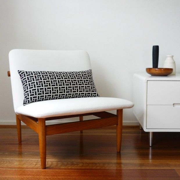Simplicity - Ideas for Apartment From Scratch - http://apartmentfromscratch.blogspot.com/ - pillow for chairs