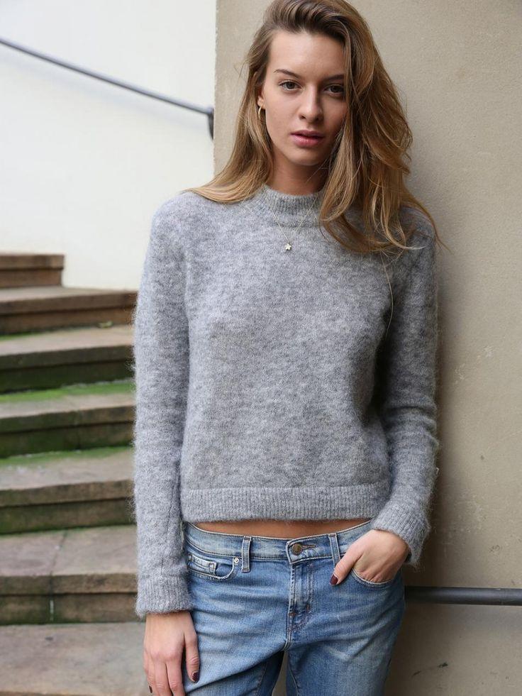 iluvskinnybitches:cristina mantas l scoop models l IG:@cristinamantas