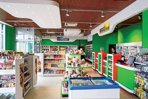 C-store interior(1)   por Minale Tattersfield Roadside Retail