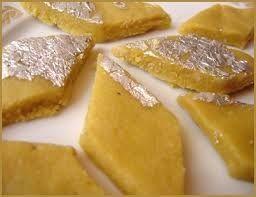 काजू कतली – Kaju Barfi - Kaju Katli - दीवाली के पकवान - Diwali Recipes - Indian Recipes in Hindi
