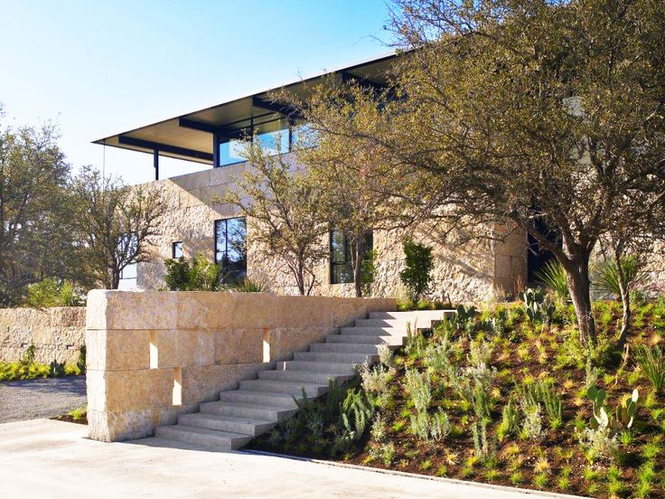 Tour Designer Sara Story's Modern Texan Ranch via @MyDomaine