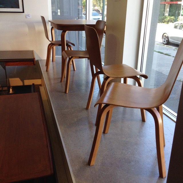 Schweizer DesignStationärer AusführungSkandinavisches DesignSkandinavische  MöbelDesign LogosIcon DesignIdentity Design1970er JahreLogo Inspiration