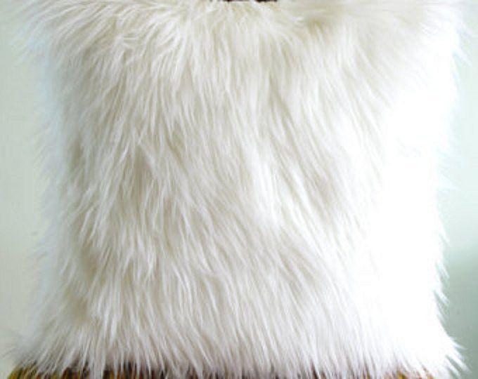 Best 25+ White fur pillow ideas on Pinterest | Fur pillow ...