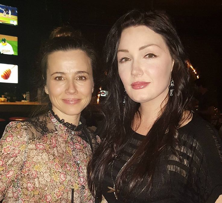 """Linda Cardellini and I at the """"Daddy's Home 2"""" wrap party. . . . #lindacardellini #dh2 #daddyshome2 #movie #film #actor #model #actress #actorlife #smile #talent #happy #love #hollywood #boston #instagood #celebrity #star #production #director #producer #fun #instadaily #instagram #photooftheday #picoftheday #me #beautiful #cute #nofilter http://tipsrazzi.com/ipost/1518152637181442973/?code=BURj8euBbud"""