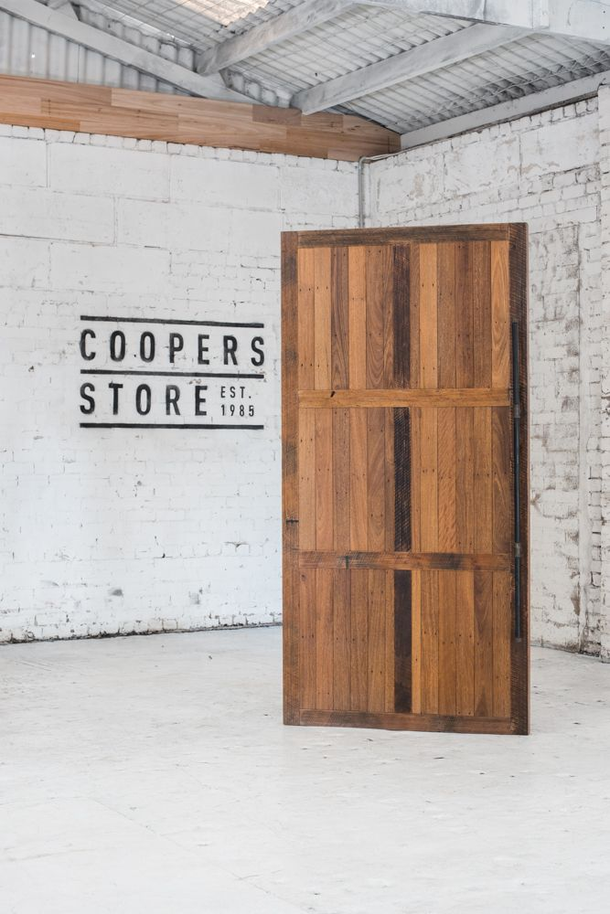 COOPERS STORE Bariloche Door
