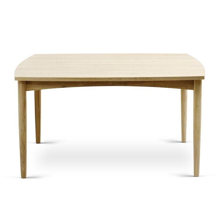 Bordene er designet i 2 størrelser. Understel, ben, bordplade og tillægspladerne er i massivt FSC certificeret træ – så skulle bordet efter mange års brug, få behov for at blive slebet ned, er dette muligt.