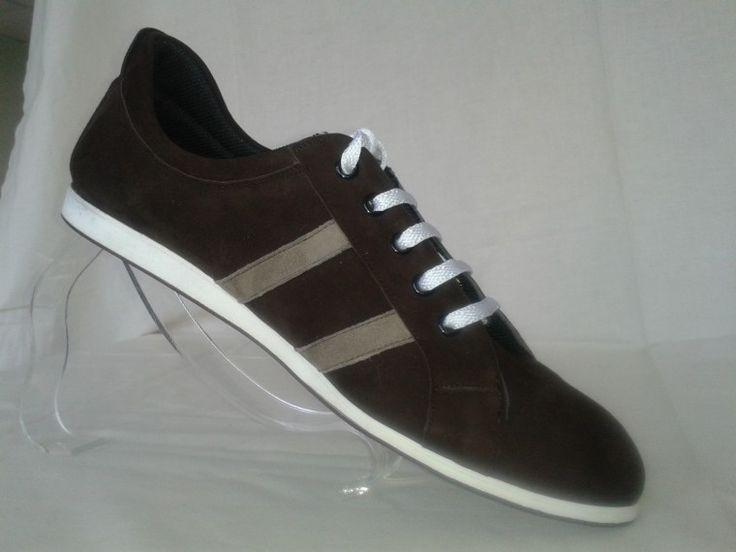 Chaussure de danse haut de gamme, fabrication française, 100% personnalisable. Souple et confortable. Ici en  daim marron.