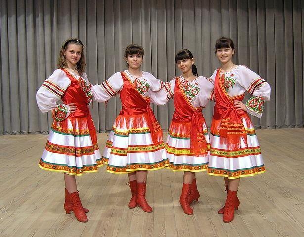 Фото женских костюмов для концертов