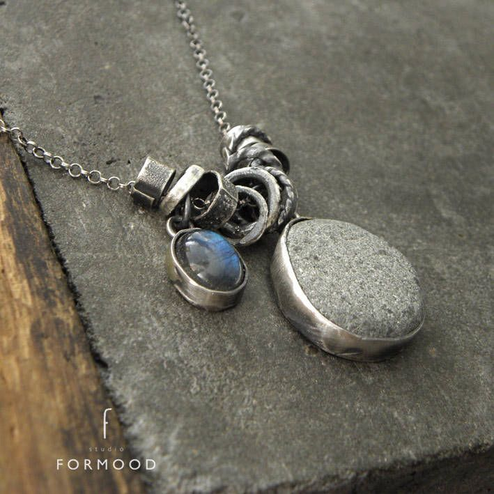 Beach stone, labradorite and oxidized sterling silver - necklace by studioformood on Etsy https://www.etsy.com/ca/listing/556292202/beach-stone-labradorite-and-oxidized