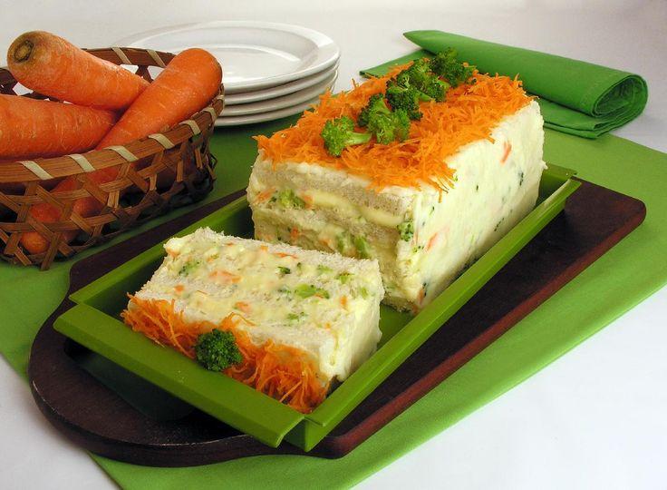 Bolo 4 queijos com brócolis