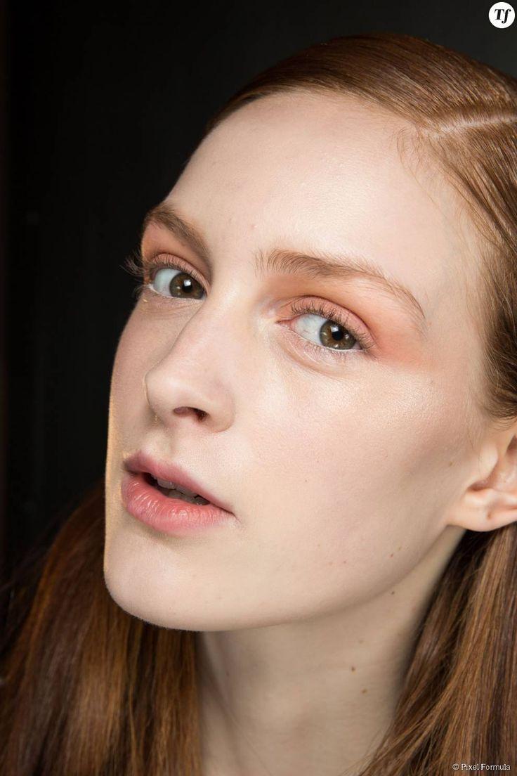 Maquillage : fard à paupières orange chez Thakoon automne-hiver 2015-2016.