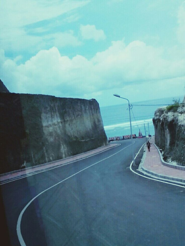 Jalan menuju pantai Pandawa (road to pandawa beach)