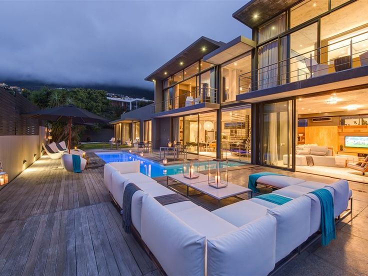 Retreat on Hove - The Retreat on Hove floats amongst the most élite and striking accommodation options in the Cape Town area and specifically the trendy suburb of Camps Bay.The many meters of airy living space comfortably ... #weekendgetaways #campsbay #capetowncentral #southafrica