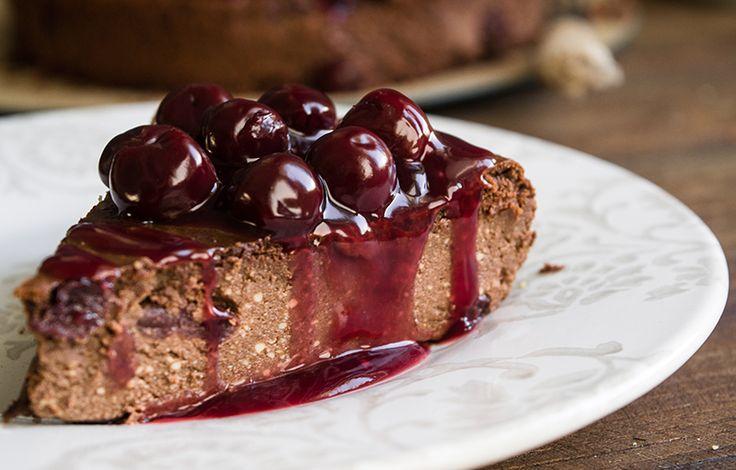 Κέικ με Ανθότυρο, ΙΟΝ Dark Σοκολάτα και Βύσσινο | ION Sweets
