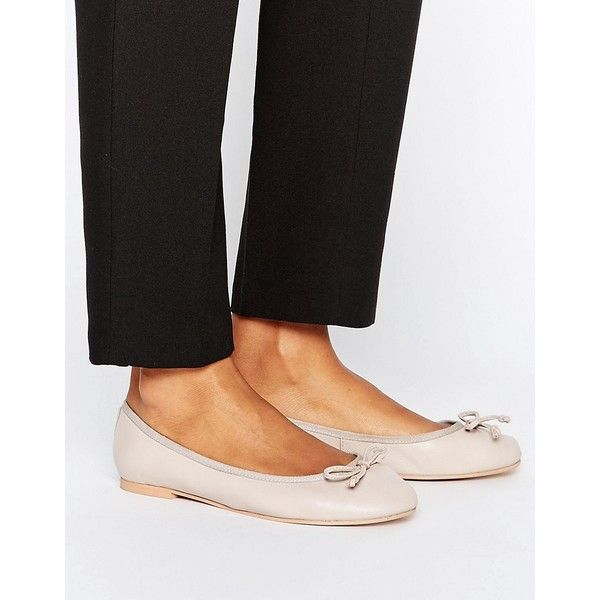ASOS LUNA Leather Ballet Flats (1.155 UYU) ❤ liked on Polyvore featuring shoes, flats, beige, prom shoes, ballet pumps, ballet flats, ballet shoes and bow flats