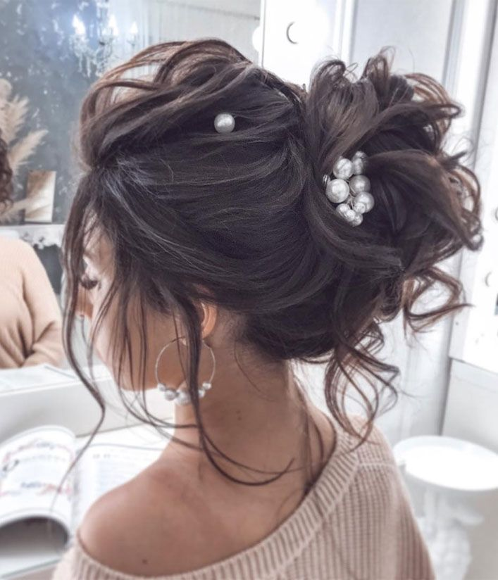 44 Messy Updo Hairstyles The Most Romantic Updo To Get An Elegant Look Hair Styles Messy Wedding Hair Long Hair Styles