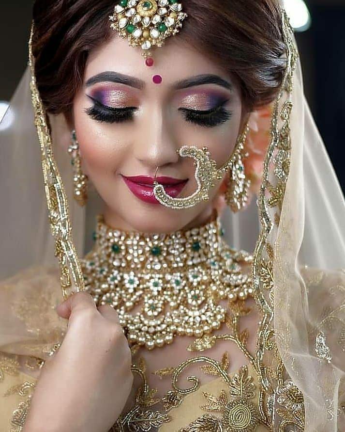 North Indian Bride To Be Lehangacholi Mehandi Love Kaliri Grandlook Royalwedding North Indian Bride Eye Makeup Simple Bridal Makeup Simple Wedding Makeup