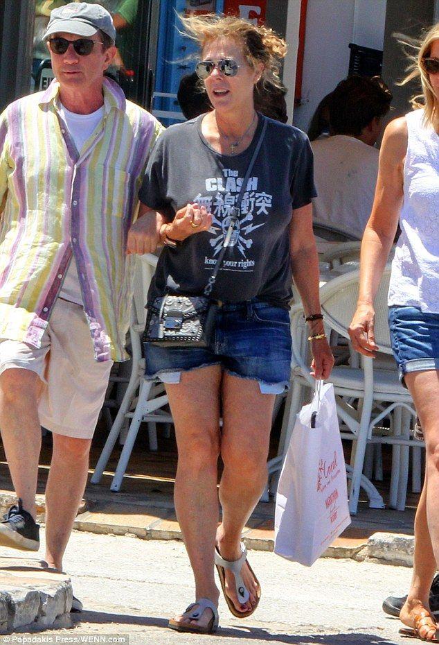 Η Rita Wilson, σύζυγος του Tom Hanks στην Αντίπαρο. 19/07/2016.