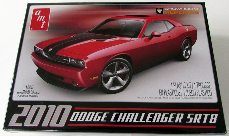 2010 Dodge Challenger SRT8 AMT 688 1/25 New Car Plastic Model Kit