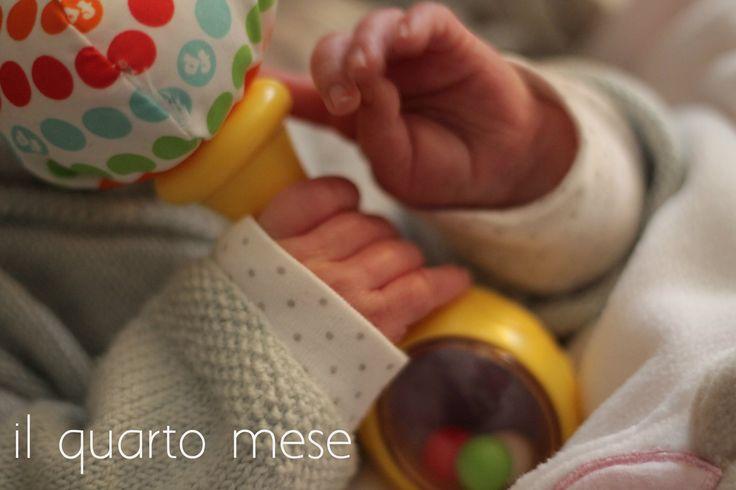 #aprovadimamma le evoluzioni del #bebé nel #quartomese donnesulweb.it http://www.donnesulweb.it/mamme/la-cura-del-neonato/crescita-del-bambino-mese-per-mese-il-quarto-mese.php
