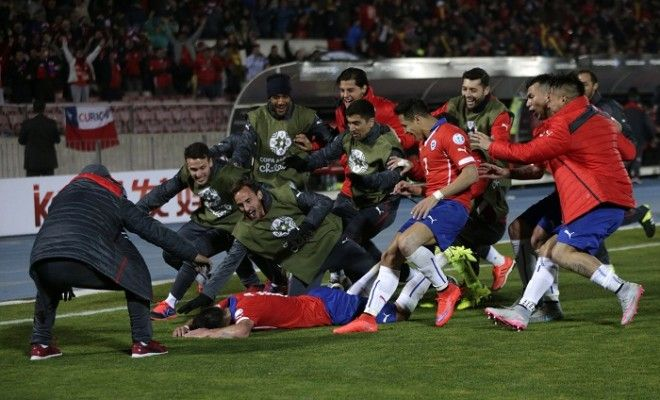 Chile Uruguay Mauricio Isla Copa America 2015