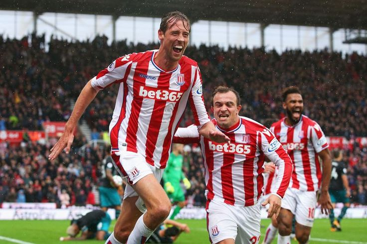 Peter Crouch pens new one-year contract to commit his future to Stoke until 2019 - Mirror Online
