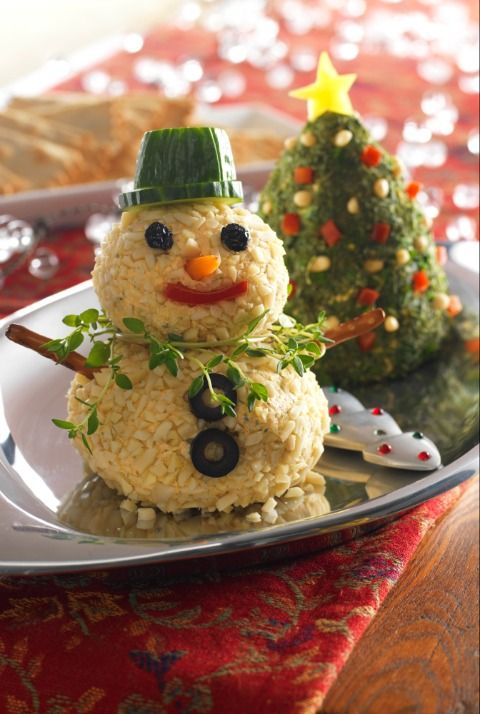 Christmas Tree and Snowman Cheese Balls! How cute! I will be bringing these to our next party! FreebieFindingMom.Com
