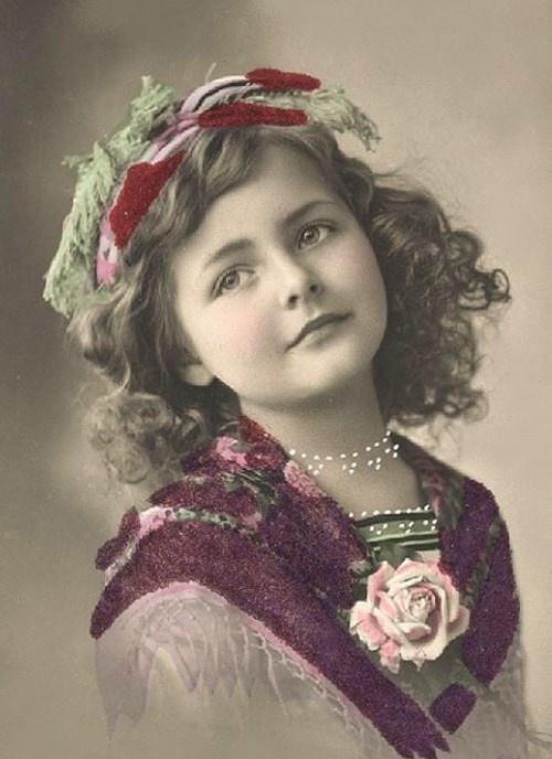 vintage girl                                                                                                                                                                                 Plus