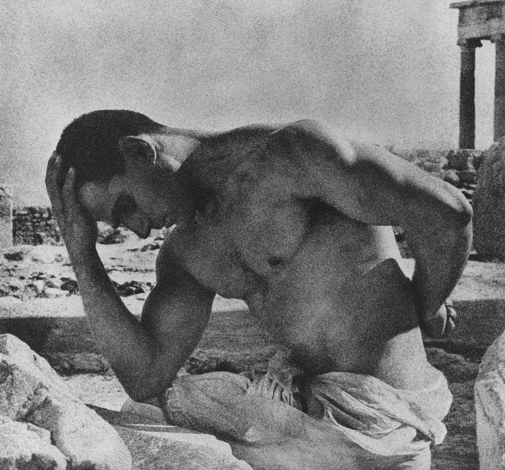 """"""" ΄Ενα ιστολόγιο για τον Ελληνικό πολιτισμό από την εποχή των Μουσών """"."""