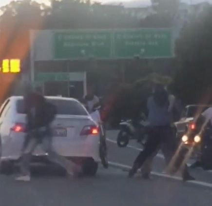 Uber driver identified as victim of brutal SF freeway attack     - CNET A cell phone video shows attackers beating a driver on a San Francisco freeway during Wednesday evenings commute.                                                      CBS SF                                                  A man who was brutally attacked on a busy San Francisco highway on Wednesday has been identified as an Uber driver.  The 35-year-old man identified by only his first name Alex was beaten after more…