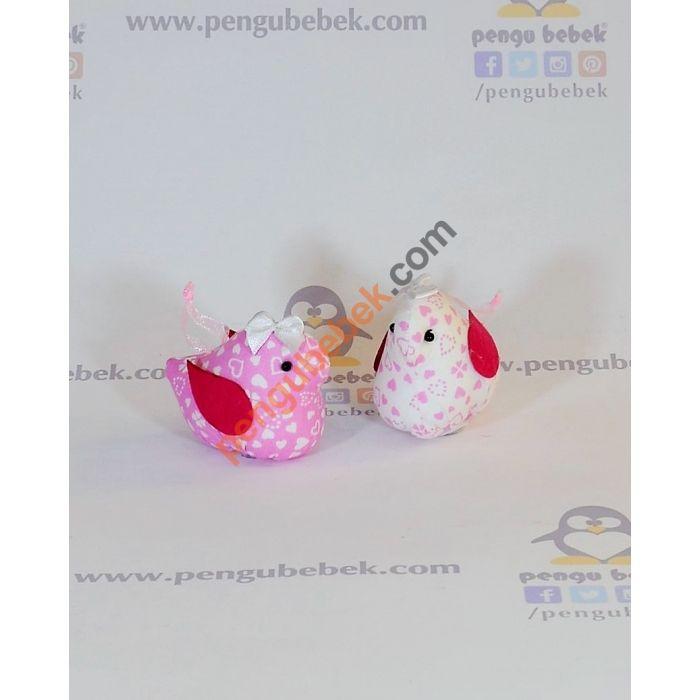 Kuşlu Bebek Şekeri, bebeğinizin gelişi anısına ziyaretçilerinize verebileceğiniz çok sevimli bir hatıra. Pengu Bebek