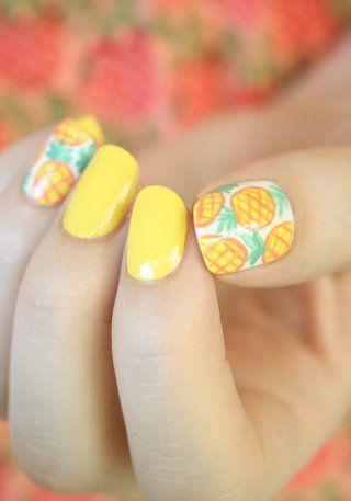 Nail Art d'été à motifs ananas
