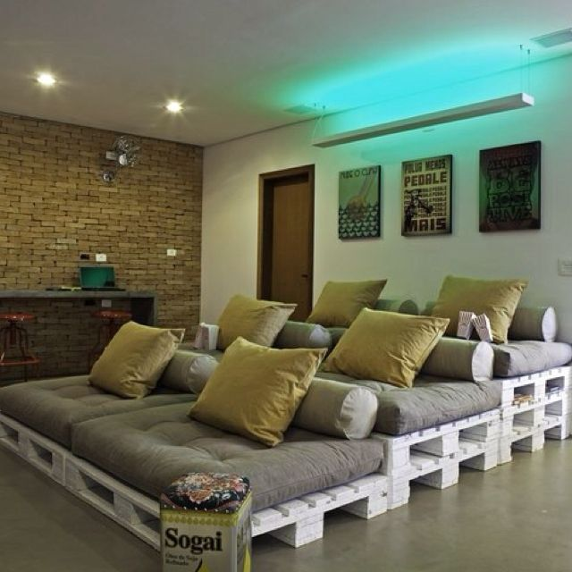 Movie Room, so cute :): Good Ideas, Movie Rooms, Movie Theater, Room Ideas, Awesome Ideas, Outdoor Movie Screen, Pallets Movie, Home Theatre, Movie Nights