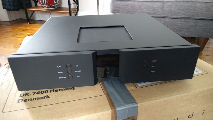 The Vitus RCD-101 CD Player / DAC. True reference performance from the brilliant slice of high end goodness!!