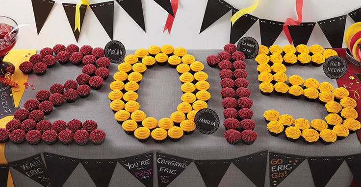 Graduation Party Ideas //  2015 Cupcake Display // Graduation Desserts