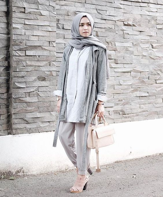 Hijab neutral outfit- New trends just for hijab http://www.justtrendygirls.com/new-trends-just-for-hijab/