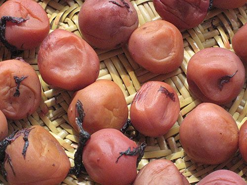 Homemade Umeboshi(Japanese salty pickled plums). Never tried to make these myself, but I love eating ume with rice.
