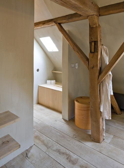 20 beste idee n over houten balken plafond op pinterest bakstenen keuken baksteen en - Houten lambrisering plafond badkamer ...