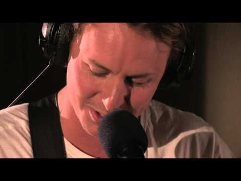 Call Me Maybe (cover) - Ben Howard // Another great cover for today!