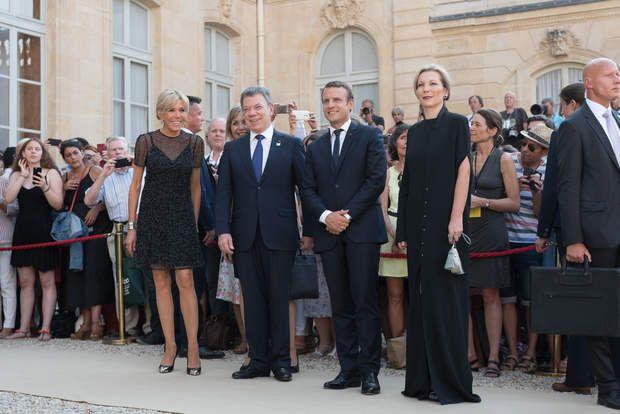 Juan Manuel Santos et son épouse Maria Clemencia Rodriguez de Santos posent avec le couple Macron