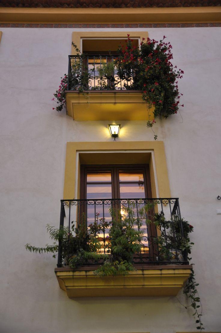 Balcones, Ravalet 21