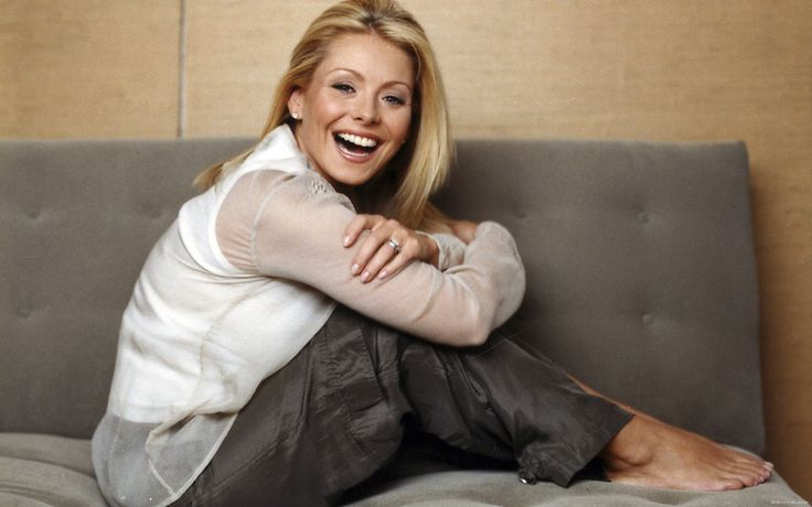 Feet Kelly Ripa Hot | kelly-ripa--kelly-ripa-485607_1920_1200.jpg