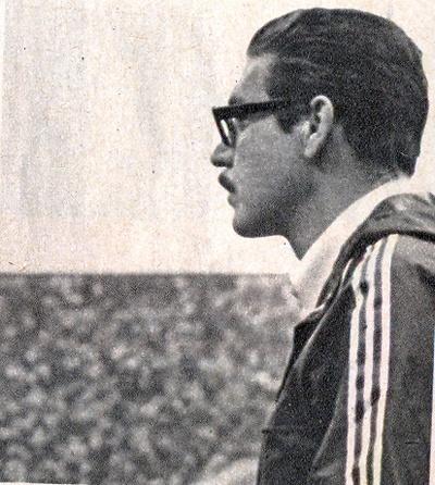 Oswaldo Brandão: Conhecido por seu estilo austero e exigente, profissional ao extremo, escreveu sua história na galeria dos mitos do futebol brasileiro, como um dos maiores treinadores de todos os tempos.