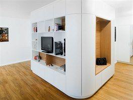 Z panelákové klasiky vznikl úžasný byt lákající na prostor a eleganci