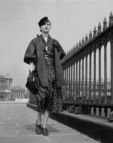 Модель в одежде от Madeleine Vionnet. 1935 год